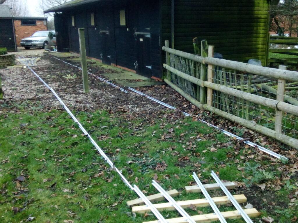 Loose laid rails
